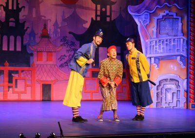 Aladdin with Policeman